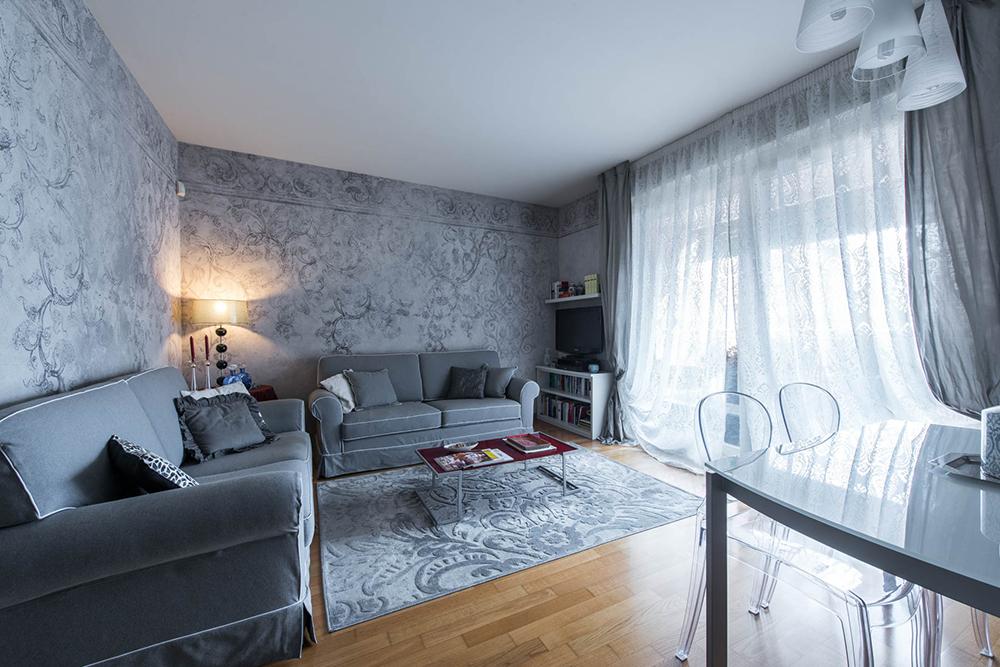 Vibo-portfolio-casa-sarnico-soggiorno-tende-Fischbacher