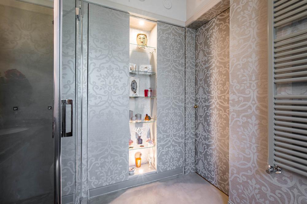 Vibo-portfolio-casa-sarnico-bagno-carta-da-parati-resinata