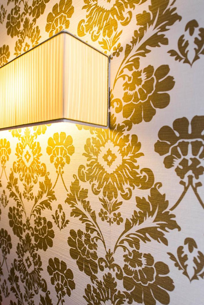 Vibo-portfolio-casa-sarnico-dettaglio-lampada-su misura