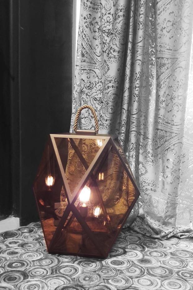 Vibo-outlet-lampada-da-terra-bronzo